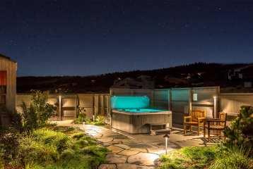 Perseid Meteor Showers, abalone bay, sea ranch, vacation rental. Courtyard, hot tub, Sea Ranch, Abalone Bay, oceanfront, vacation rental