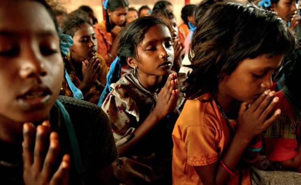 A perseguição atinge jovens e crianças na Índia