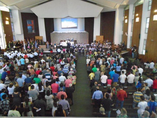 Primeira Igreja Batista de Vitória (ES) celebra 112 anos   Seara News