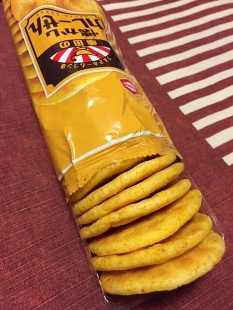 亀田製菓「懐かし カレーせん」