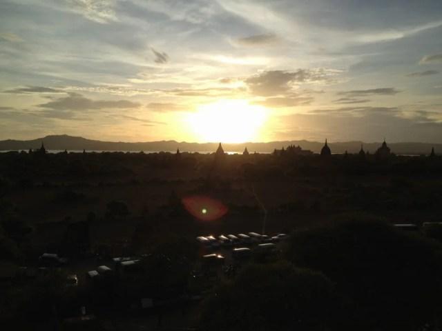 パガンの夕陽