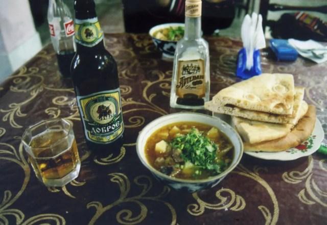 ラグマンとビールで夕食