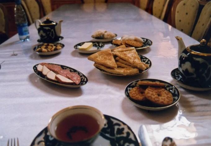 ホテル、シャフリソーダの朝食【ウズベキスタン(ヒヴァ)】