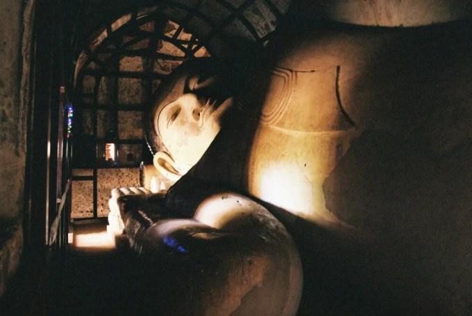 シュエサンドー・パヤーの寝釈迦 【バガン遺跡】【ミャンマー(バガン)】