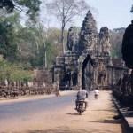 宇宙の中心「バイヨン寺院」にある、微笑みの四面仏【カンボジア】
