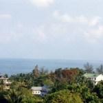 海沿いの町「シアヌークビル(コンポンソム)」のビーチと市場【カンボジア】