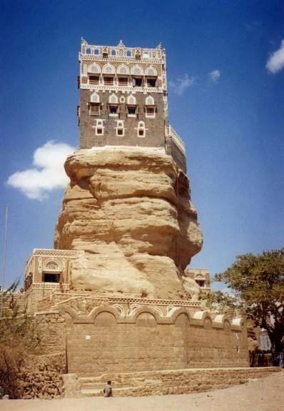 イエメン ワディ・ダハール ロックパレス