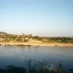 メコン川をスピードボートで遡り、タイ国境の町「フェイサイ」へ【ラオス】