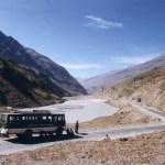 標高5317mの峠を越えてレーの町へ!秘境ラダック地方へのバス旅2【インド・ラダック地方】