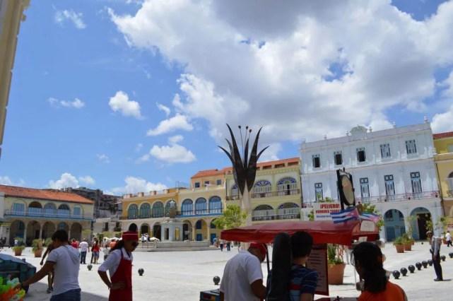 ビエハ広場、ハバナ旧市街 【キューバ Cuba】