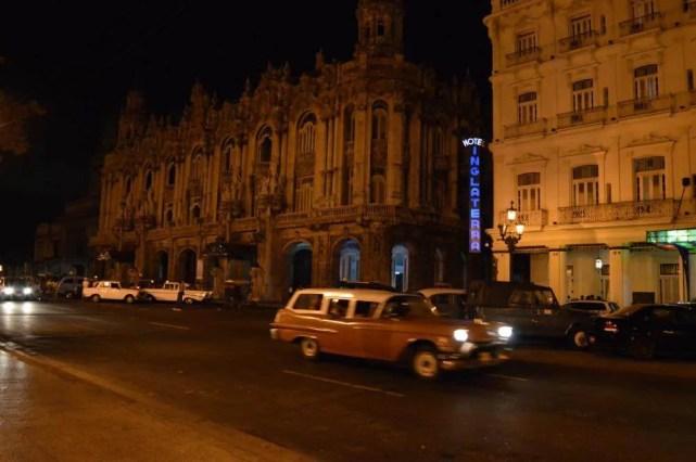 夜のガルシア・ロルカ劇場、ハバナ旧市街 【キューバ Cuba】