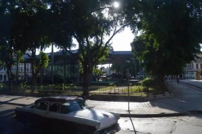 バスでトリニダーへ、ハバナ旧市街 【キューバ Cuba】