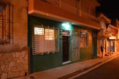 サンティアゴ・デ・クーバのカサ(民宿) 【キューバ Cuba】