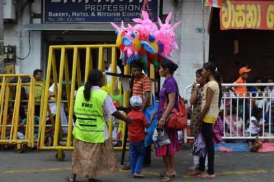 ペラヘラ祭りにわくキャンディの街【スリランカ】