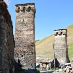 「復讐の塔」がたくさん立つ町「ウシュグリ村」(世界遺産)【ジョージア(グルジア)】