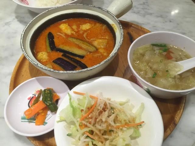 三越前、シンガポール 海南鶏飯