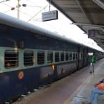 インドの鉄道でコーチンからアレッピーヘ!※列車を乗り間違える【南インド・ケララ州】