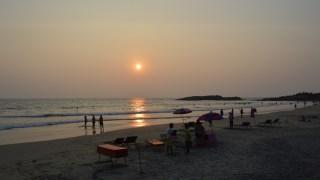 コヴァーラム・ビーチでアラビア海に沈む夕陽を見る!【南インド・ケララ州】