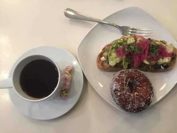 ヘルシンキのカフェ&バー(カール・ファッツェル・カフェ)バルト三国②