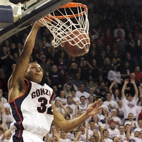 Zags fly high late night