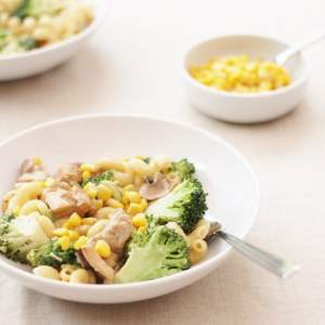 creamy-chicken-broccoli-and-sweetcorn-pasta-1