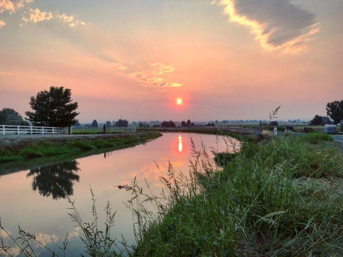Sunrise over Sunnyside WA canal