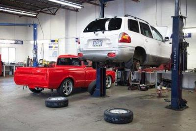 Best mechanics in Victoria at Searles Auto Repair