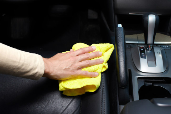 cleaning leather car upholstery