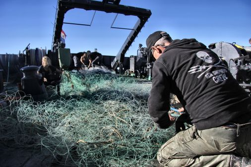 IMG_7164-destroying-the-net1_SeaShepherd_AriFitzgerald