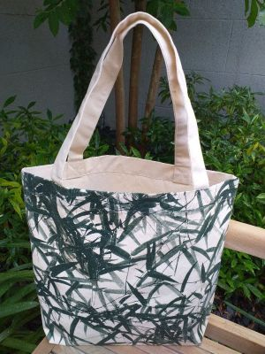 AFT824G Classic Tote Natural Photos Silk Screen