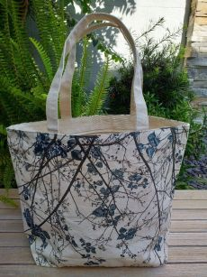ALT818B Large Zipper Tote Natural Photos Silk Screen