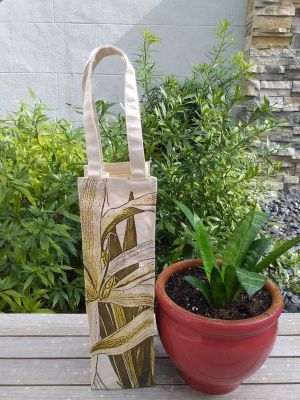 AWT904G Wine Tote Natural Photos Silk Screen