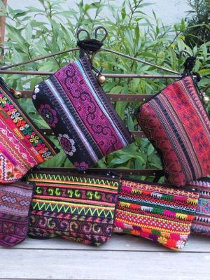 RSW600 Hilltribe Medium Hand Stitched Wristlet Bag