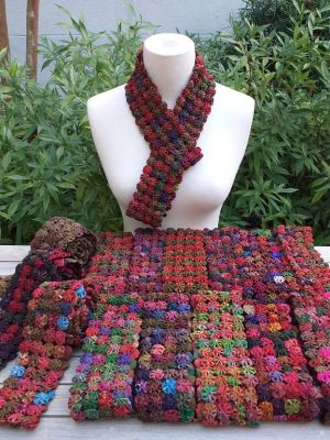 YOY055a Hand Stitched Silk YoYo Vintage