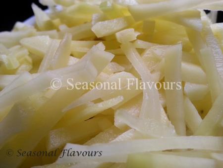 Potato juliennes for Aloo Bhaja – Crunchy Potato Sticks Recipe