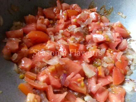 Fry tomatoes for rajma masala curry recipe