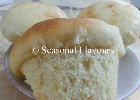 Feather Rolls With Yeast
