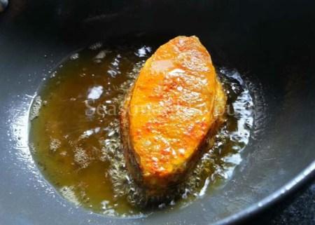Fry marinated fish for fish vepudu recipe