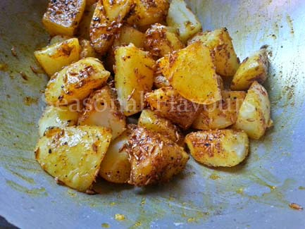 Add boiled aloo for this stir-fry aloo recipe