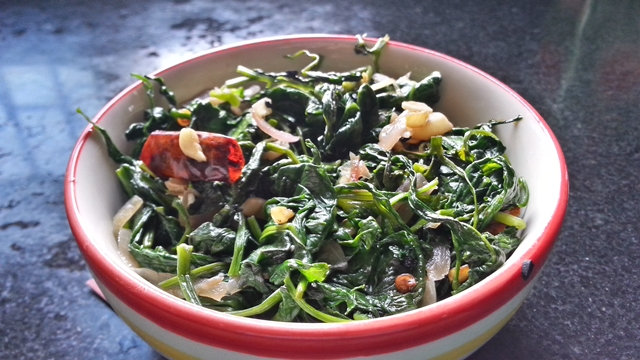 Stir-fried water spinach recipe