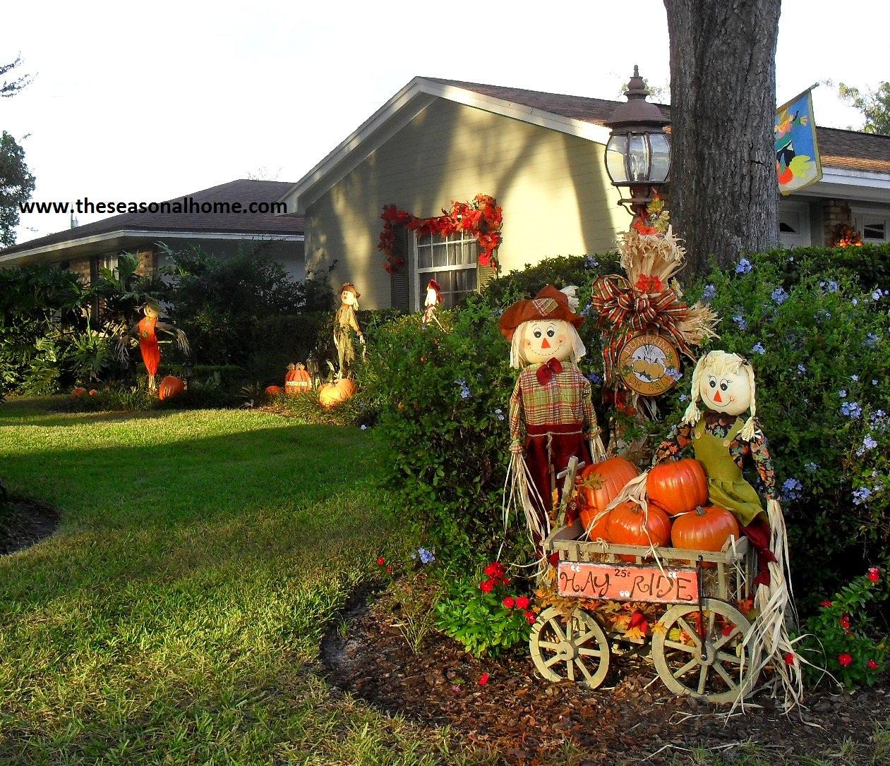 Fall has Fell (in the front yard) « The Seasonal Home on Backyard Decor  id=77012