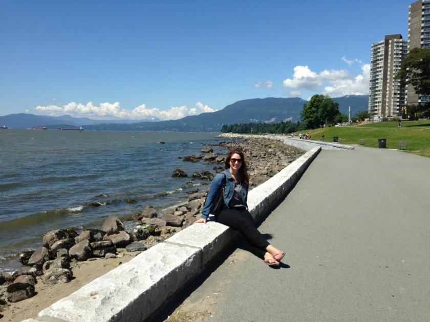 walk-along-the-sea-wall