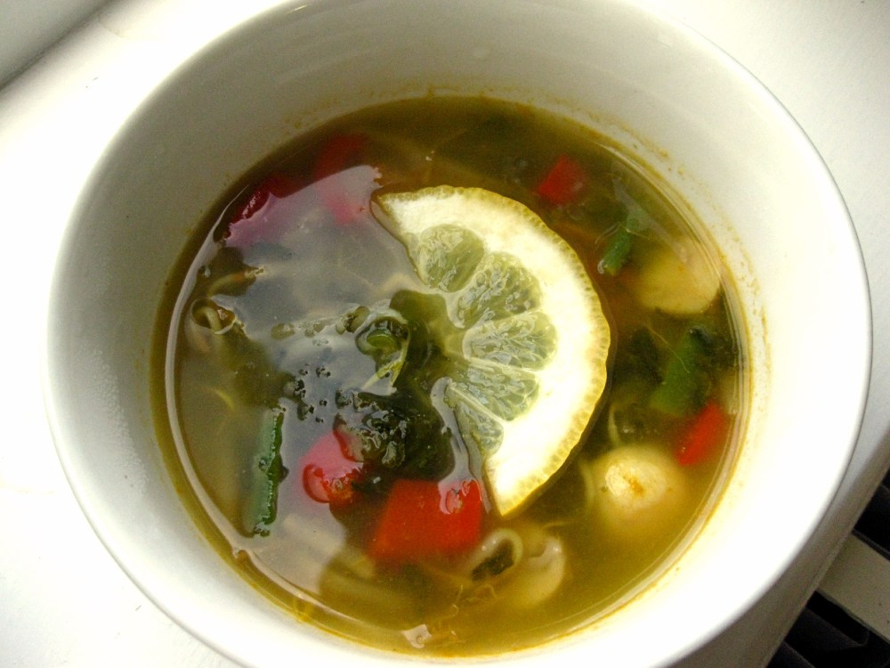 Detox Vegetable Soup and Crunchy Mixed Salad (3/3)