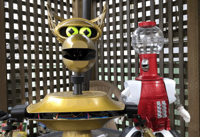 Meet Tom Servo and Crow T Robot from MST3K
