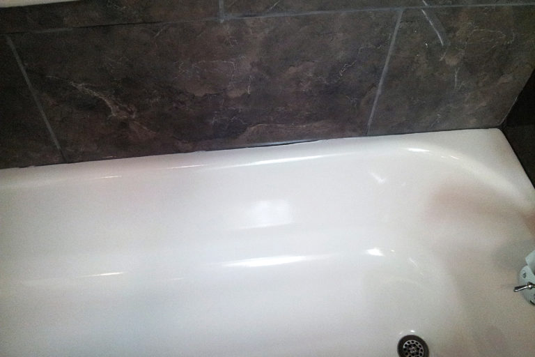 Seattle Bathtub Repair Refinish Reglaze Service