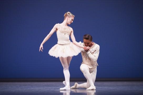 Pacific Northwest Ballet principal dancers Carla Körbes and Batkhurel Bold in Diamonds Photo by Angela Sterling