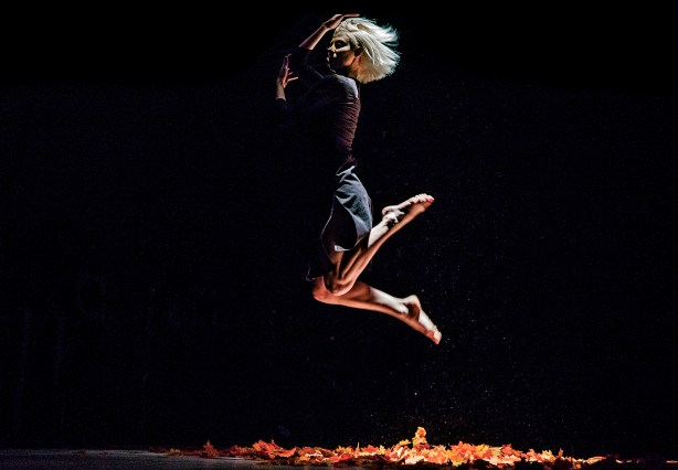 GODOS by Aura Dance Theatre, Part One, photo by Trine Sirnes