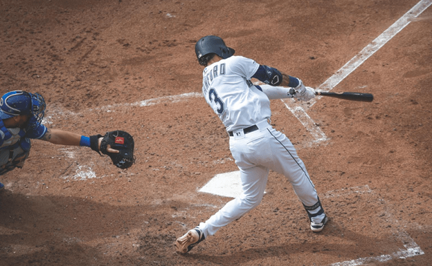 Mariners drop series to lowly KC Royals as miserable season limps along