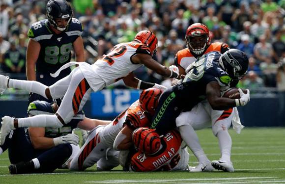 Seahawks look bad, but get 21-20 win over Bengals