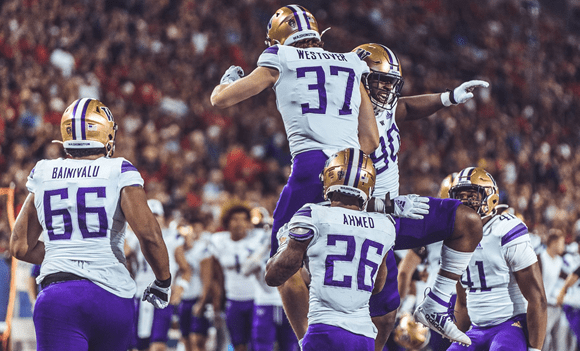 Strong 2nd half sends Huskies to 51-27 win over Arizona
